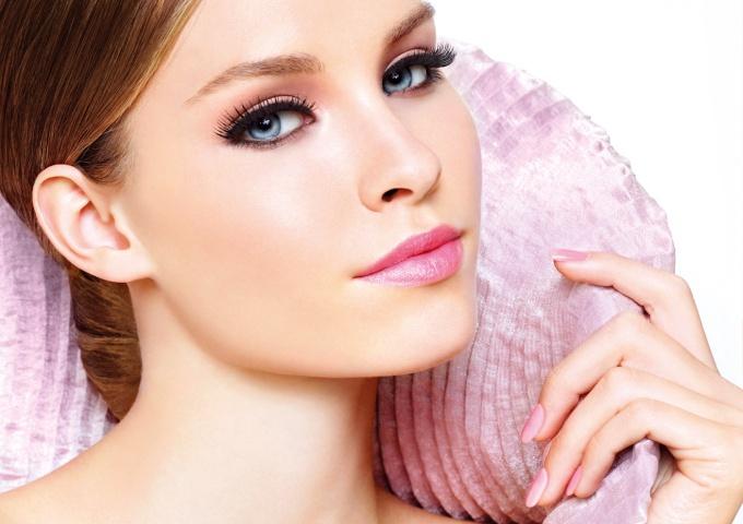 Как устранить жирный блеск кожи