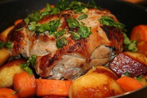 Как готовится вкусная запеченная свинина