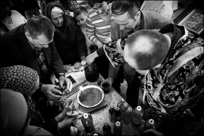 Как правильно использовать освященное масло после соборования