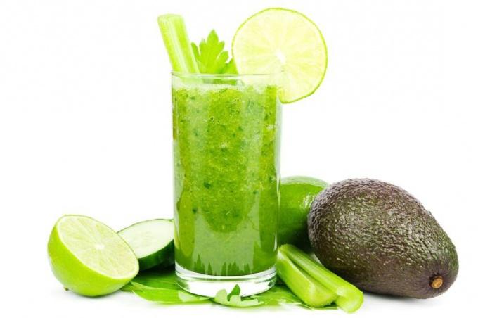 Как приготовить смузи с авокадо и огурцом