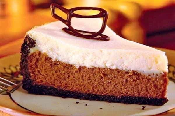 Как приготовить шоколадно-творожный чизкейк