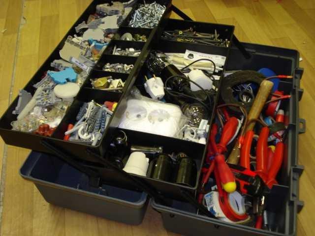 Набор инструментов для электромонтажных работ