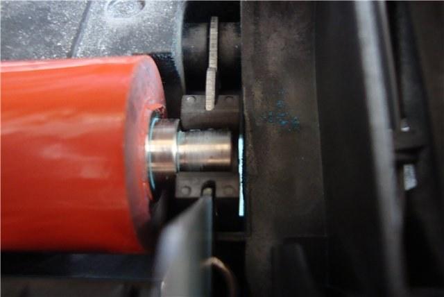 Резиновый вал во фьюзере лазерного принтера