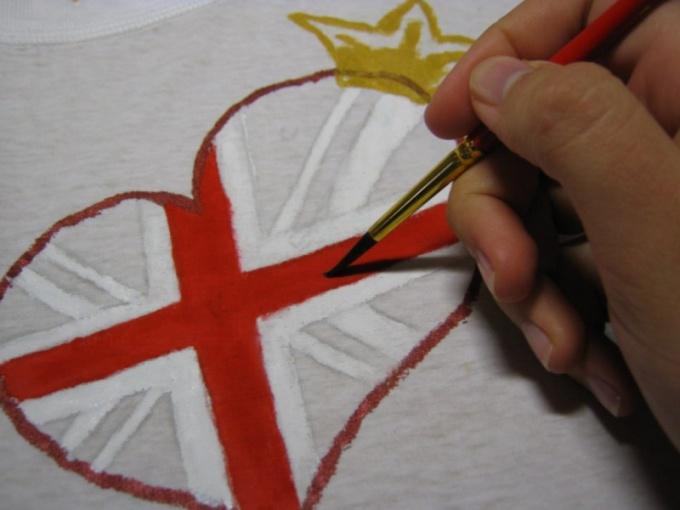 Роспись футболки акрилом