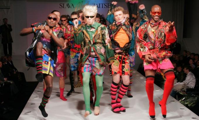 Показы мод были более экстравагантными.