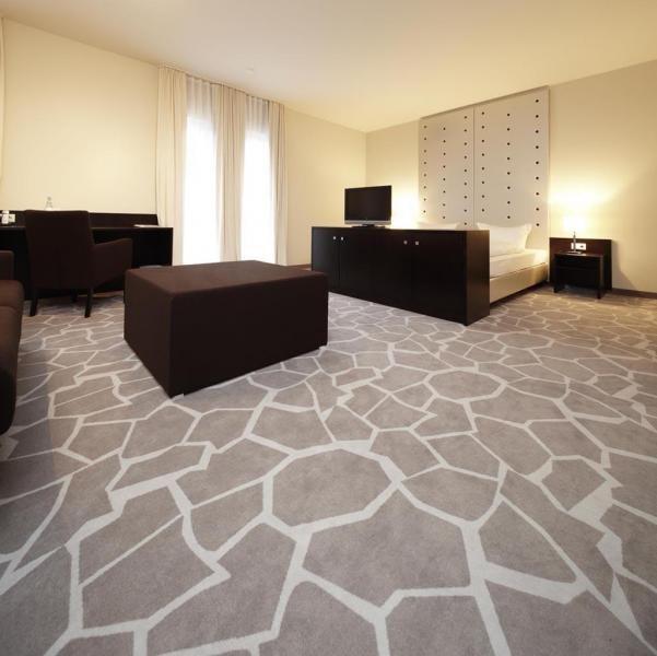 Как выбрать напольное покрытие в квартиру