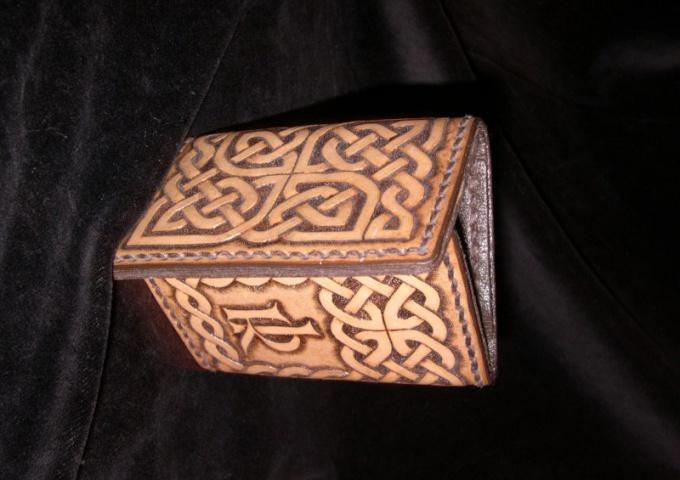 Кельтский орнамент состоит из линий без конца и начала