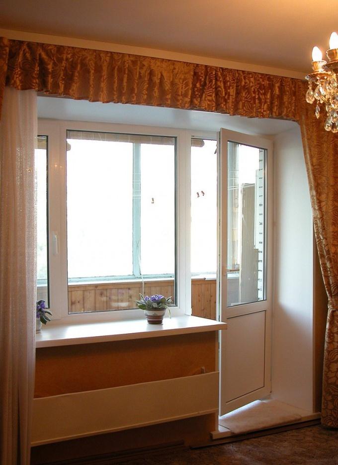 Фото балконная дверь сверху окно30см стеклопакет