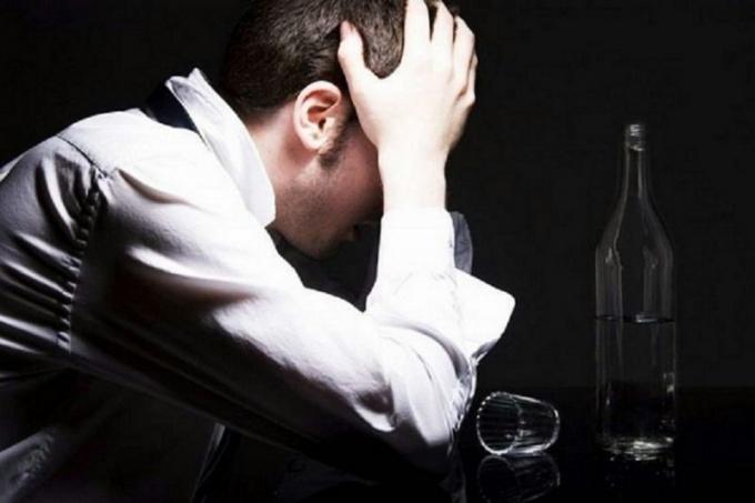 Как медикаментозно лечить алкоголизм