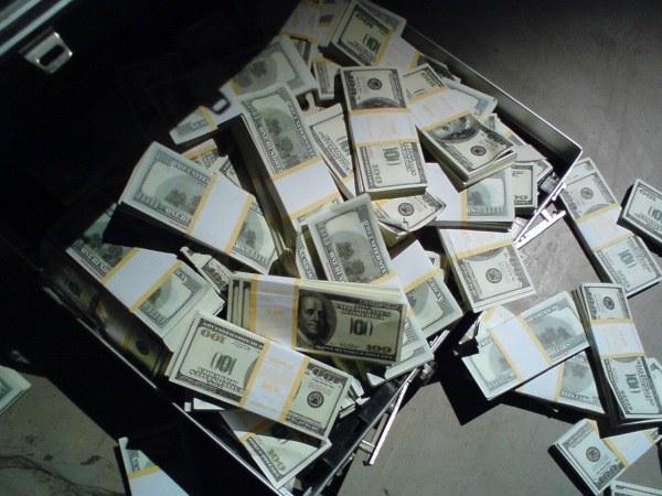 Опасно ли менять валюту не в банке
