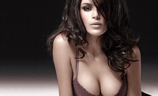 Как зрительно увеличить грудь