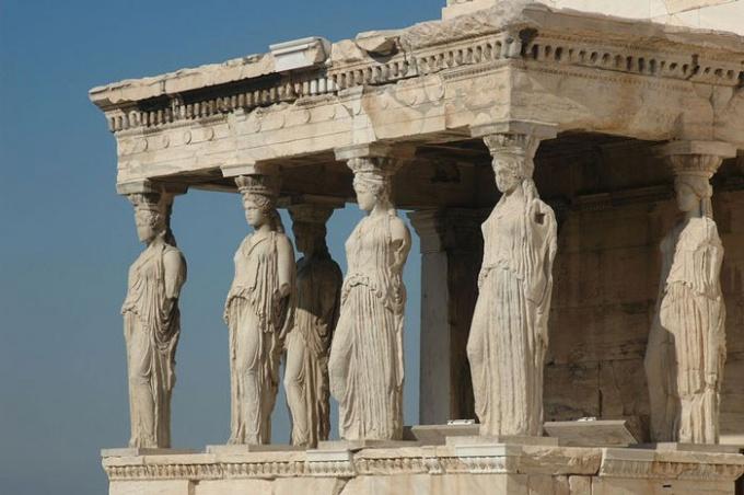 Кого греки считали богиней безумия