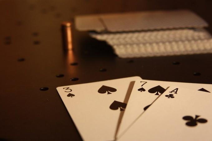 """В какую карточную игру играл Герман , герой """"Пиковой дамы"""""""
