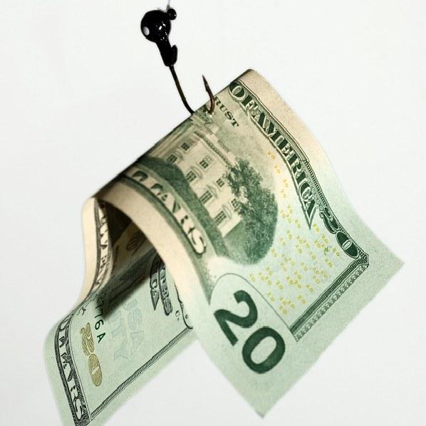 Многие ловятся на крючок богатства