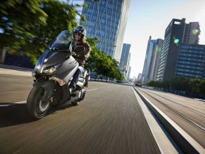 Scooters and mopeds: what are the differences and similarities