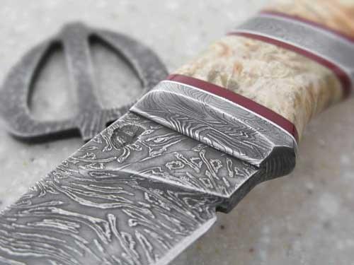 Муаровый рисунок булатного клинка