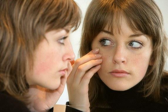 Покраснение кожи возле глаз