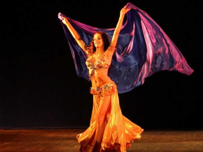 Where and how was invented belly dancing