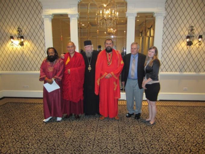 Участники круглого стола «Наука и религия» в рамках Второго международного конгресса «Глобальное будущее 2045»