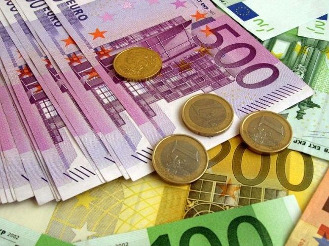 """Почему в Греции """"урезают"""" пенсии"""