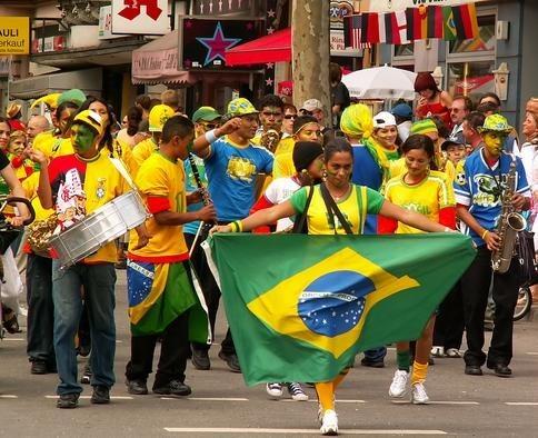 Сколько официальных языков в Бразилии
