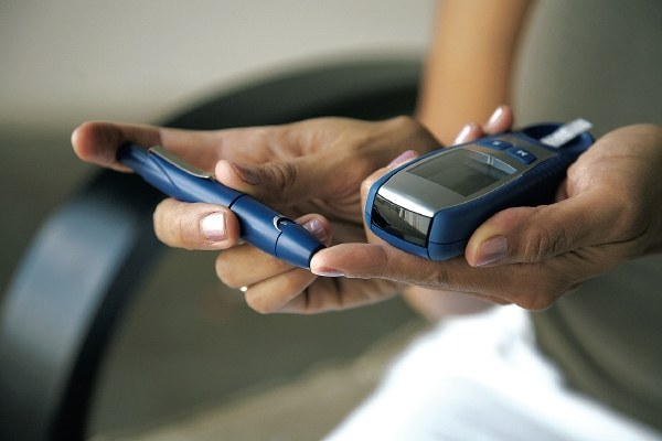 Measuring sugar with a glucometer