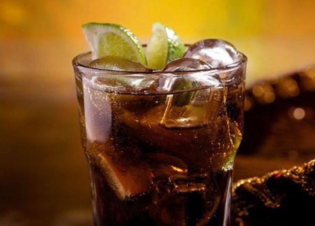 """Рецепты коктейлей с ромом """"Малибу"""""""