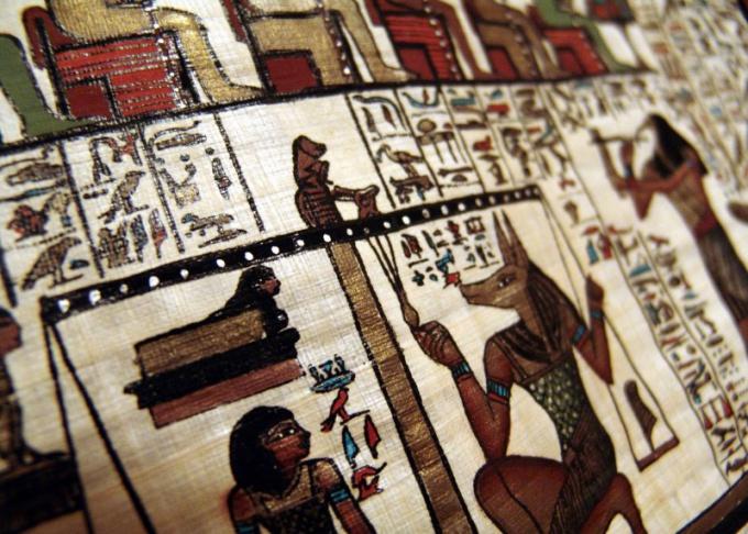 Египетские фрески притягивают взгляд, заставляют углубляться в их смысл