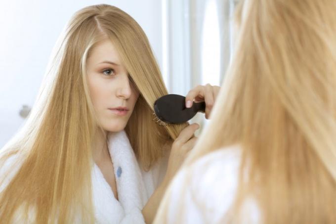 С возрастом волосы претерпевают изменения