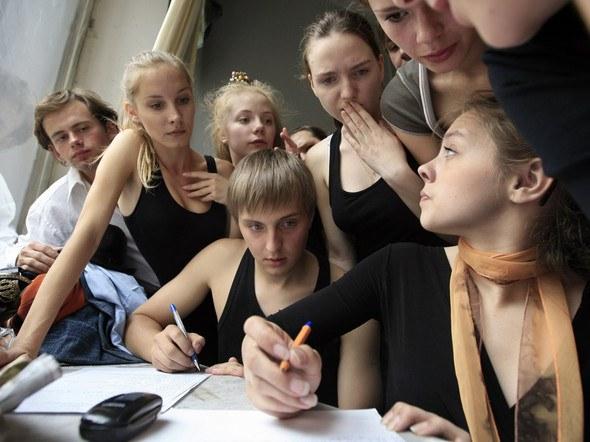 Как сдают вступительные экзамены в театральный институт