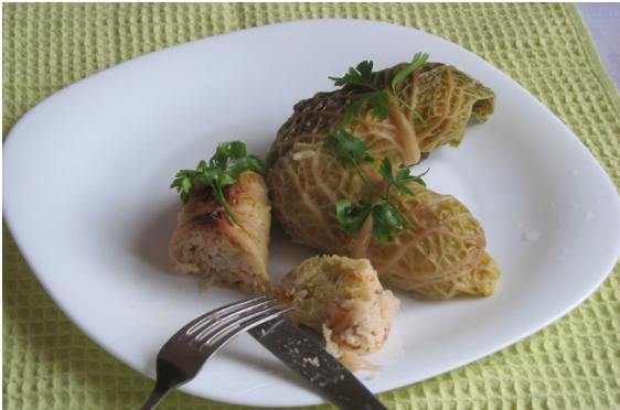 Как приготовить домашние голубцы из савойской капусты