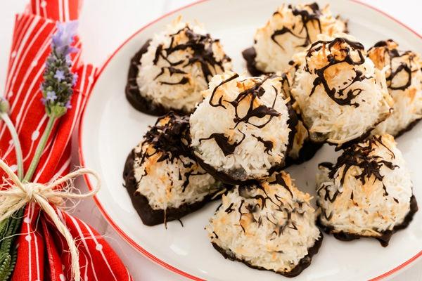 Легкий рецепт кокосового печенья в шоколаде
