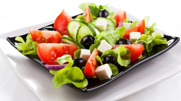 Подготовка овощей и зелени для салата