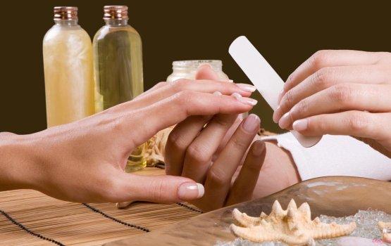 Правила ухода за расслоенными ногтями
