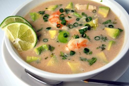 Чесночный суп-пюре из морепродуктов