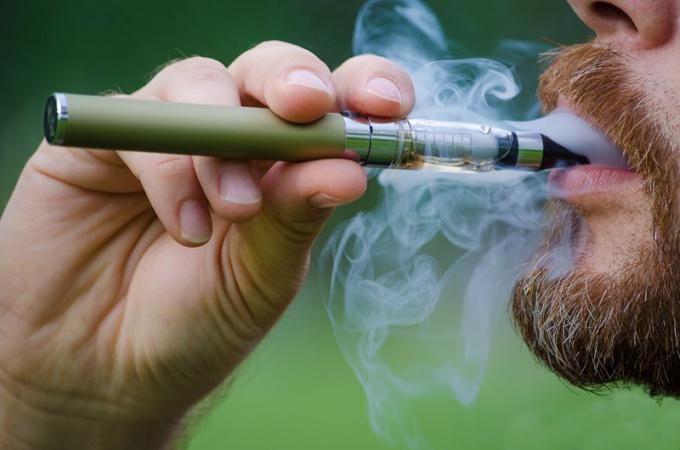 Электронные сигареты тоже вызывают зависимость