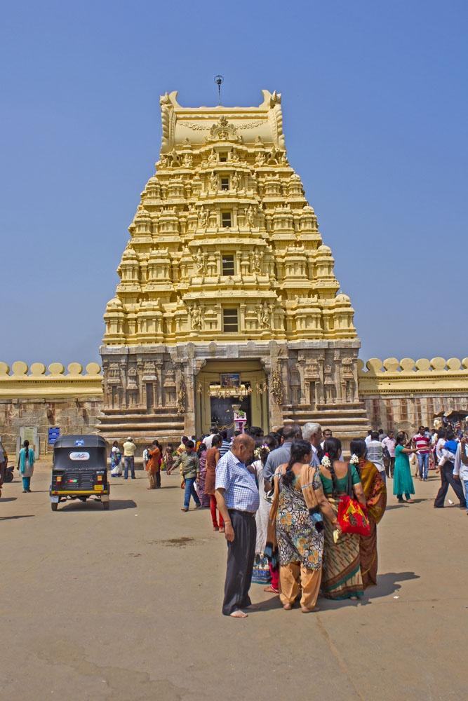 Очередь в храм Ранганатх, Шрирангапатнам