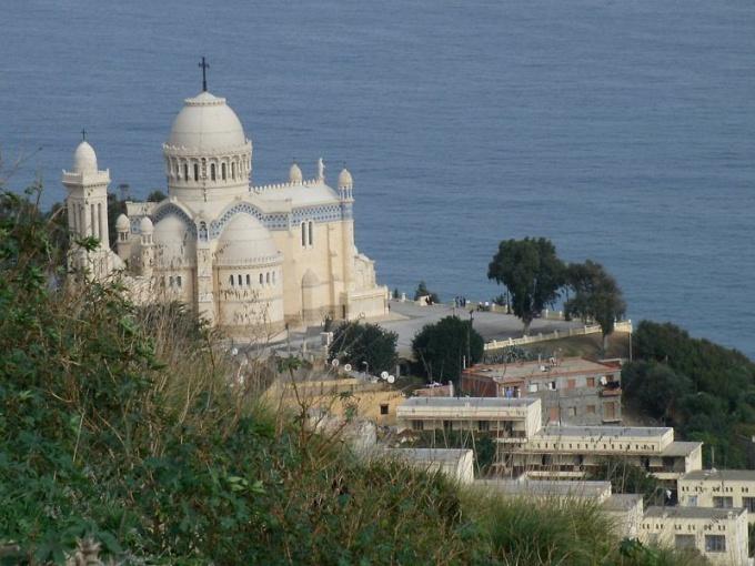 Собор Африканской Богоматери: некоторые факты из истории строительства