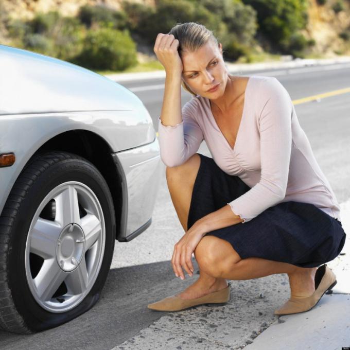 Как поменять колесо в автомобиле