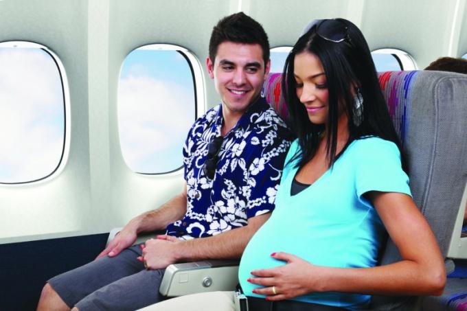 Как перелет влияет на беременность