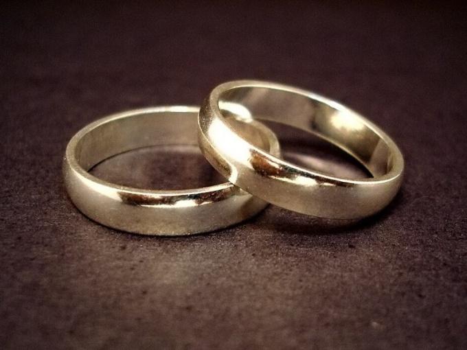 Звездные свадьбы могут быть как пышными, так и скромными
