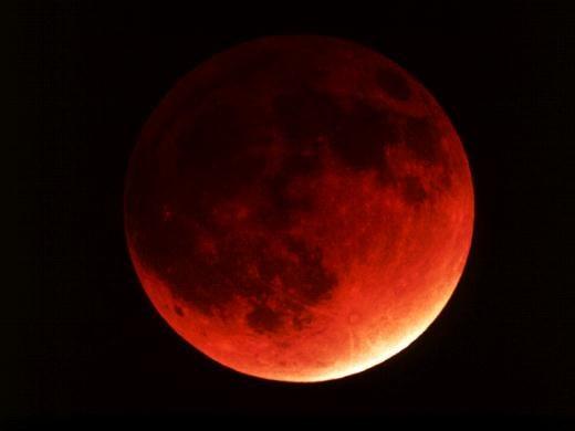 Как происходит лунное затмение в 2017 году