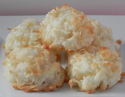 Кокосовое печенье-макаруны с лимонной глазировкой