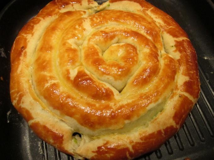 Пирог со слоеным тестом рецепты с фото