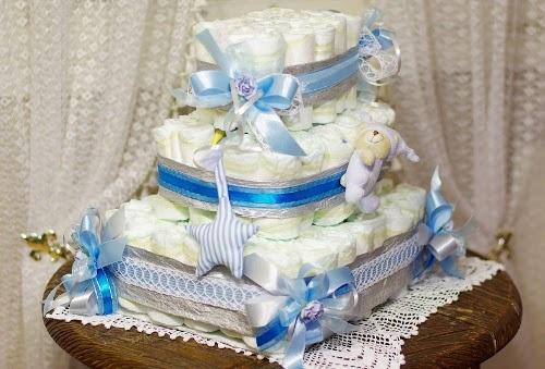 Как сделать торт из памперсов в подарок малышу