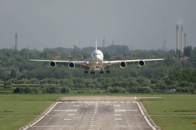 Как приземляется самолет