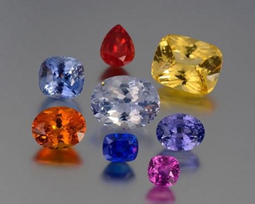 Сапфиры отличаются большим разнообразием цветовой гаммы