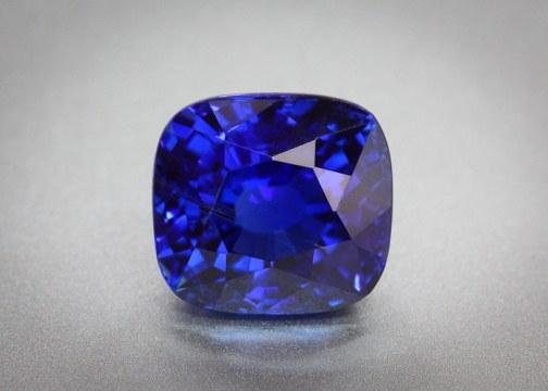 Тёмно-синие сапфиры из Бирмы