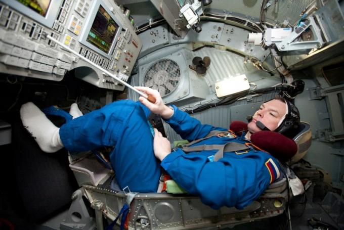 Какие перегрузки испытывает космонавт
