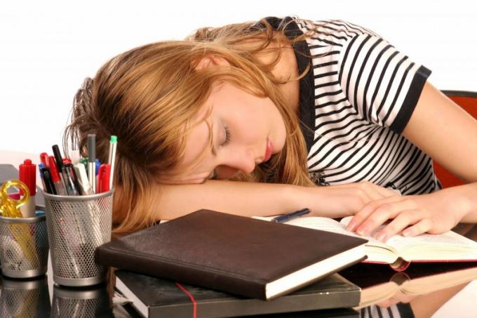 Чтобы выспаться перед экзаменом, лягте спать раньше